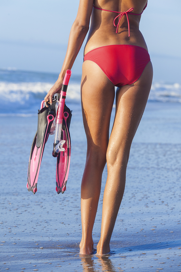 How to Look Slimmer in your Holiday Snaps